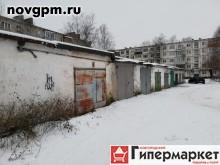 Зелинского улица: гараж, 3.5х6х2.2 м, железобетонный, перекрытия железобетонные, пол деревянный, ворота металлические, 290'000 руб., продам