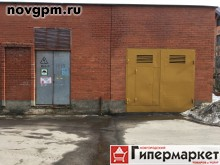 Андреевская улица: гараж, 432х585х49 м, кирпичный, перекрытия железобетонные, пол бетонный, ворота металлические, электричество 380в, в собственности, документы готовы, срочно, 700'000 руб., продам
