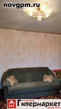 Старая Русса, Центр, Некрасова улица, 20: 2-комнатную квартиру, 49.9/27.2/7.8 м, 5/5 панельный, улучшенная планировка, 1987 г.п., лоджия стеклопакеты, комнаты 15.1+12.1 м, прихожая 6.9 м, комнаты изолированные, хорошее состояние, типовая отделка, санузел раздельный, окна стеклопакеты, вся необходимая мебель, встроенная кухня, новые трубы, ванная-кафель, чистый подъезд, собственник, срочно, 1'200'000 руб., продам, возможна ипотека