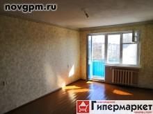 Мира проспект, 25 к.4: 1-комнатную квартиру, 32/174/6.7 м, 4/5 панельный, потолки 2.5 м, балкон не застеклен, хорошее состояние, типовая отделка, санузел совмещенный, встроенная кухня, холодильник, газовая колонка автомат, ванная-кафель, пол деревянный, счетчики, двойная входная дверь, чистый подъезд, домофон, документы готовы, собственник, 1'350'000 руб., торг, продам