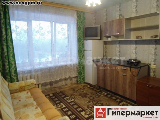 Великий Новгород, Псковская улица, 14: комнату в общежитии, 13/13 м, 3/5 кирпичный, в 4-комнатной секции, окна стеклопакеты, вся необходимая мебель, холодильник, телевизор, чистый подъезд, 5'000 руб./в месяц, сдам, комиссия 60%