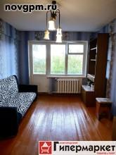 Ломоносова улица, 10: 2-комнатную квартиру, 43/26/6.2 м, 5/5 панельный, хрущевка, балкон, комнаты смежные, нормальное состояние, типовая отделка, санузел совмещенный, кафель, 10'000 руб./в месяц, сдам, комиссия 50%