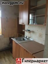 Холм, Советский переулок, 2: 3-комнатную квартиру, 47.7/34/5.7 м, 2/2 панельный, без балкона, комнаты 13.5+9.5+11.3 м, требует ремонта, документы готовы, 450'000 руб., торг, продам, возможна ипотека