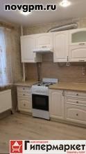 Центральная (Григорово) улица, 24: 1-комнатную квартиру, 41/21/10 м, 2/5 кирпичный, балкон застеклен, хорошее состояние, санузел совмещенный, окна стеклопакеты, встроенная кухня, стиральная машина, холодильник, ламинат, металлическая входная дверь, чистый подъезд, 10'000 руб./в месяц+коммун.платежи, сдам, комиссия 50%