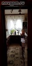 Боровичи, Ботаническая улица, 3: 2-комнатную квартиру, 50.4/28.5/7.5 м, 3/5 кирпичный, лоджия, комнаты 10.8+17.7 м, комнаты изолированные, хорошее состояние, санузел раздельный, окна стеклопакеты, встроенная кухня, металлическая двойная входная дверь, окна на разные стороны, чистый подъезд, домофон, 1'950'000 руб., продам, возможна ипотека